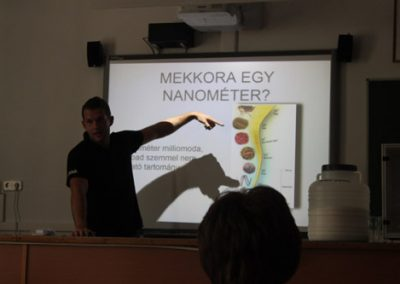 2015_Sokszinufizika_Nanoreszecskek_09