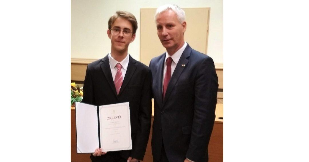 Cziráki Bálint nemzetiségi ösztöndíjas